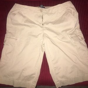 Women's New York & Company Cargo Shorts